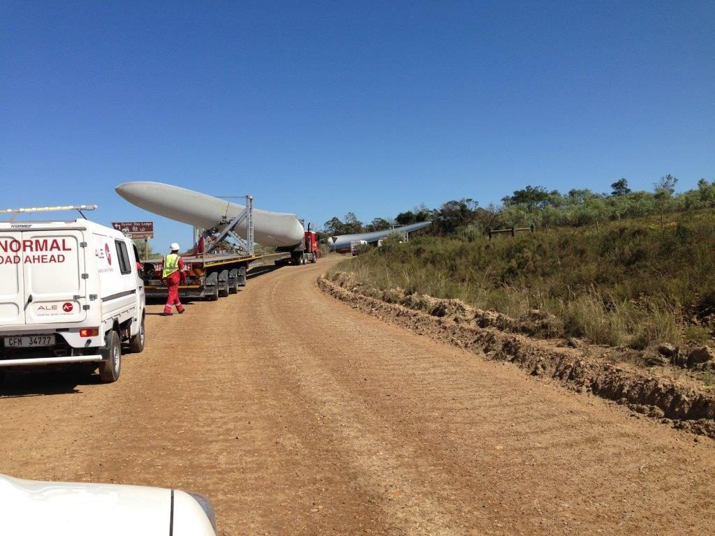 kouga-wind-farm-first-three-blades