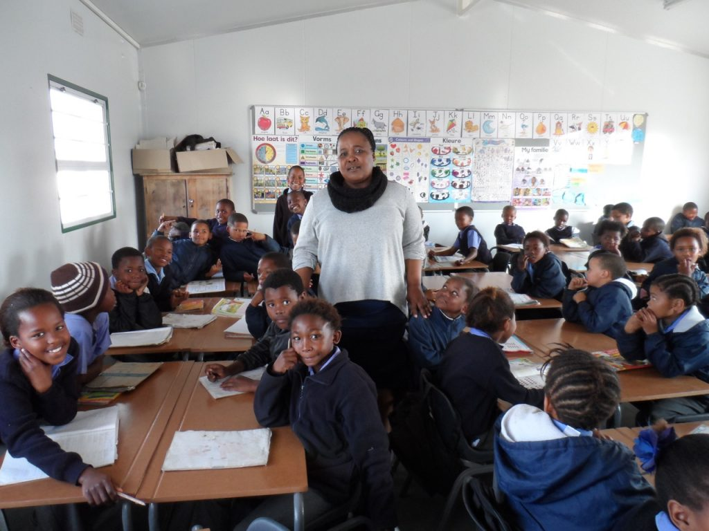 ms_gigaba_and_gr-_1-3_learners_in_their_classroom_with_new_furniture_email_