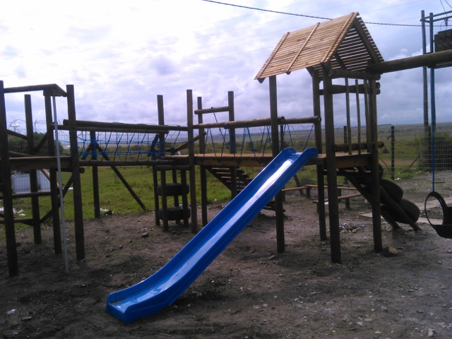 sandwater-primary-school-jungle-gym
